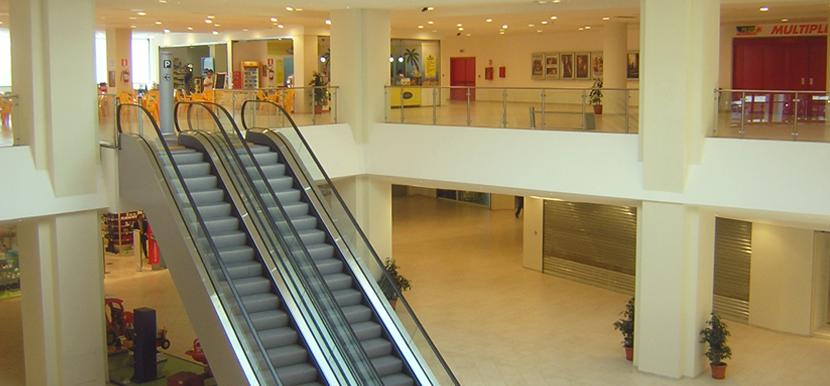 Centro Commerciale e Cinema Multisala, Sardegna, Italia